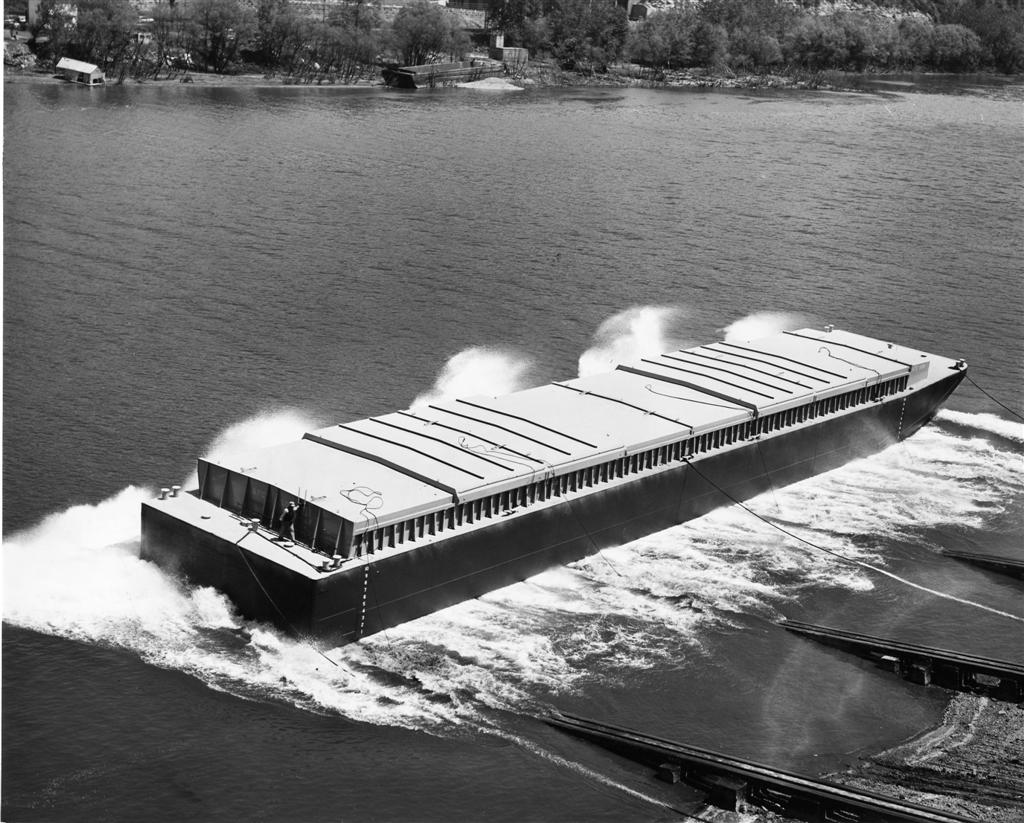 Covered Hopper Barge  - Photo Courtesy of Boat Photo Museum, Dan Owen