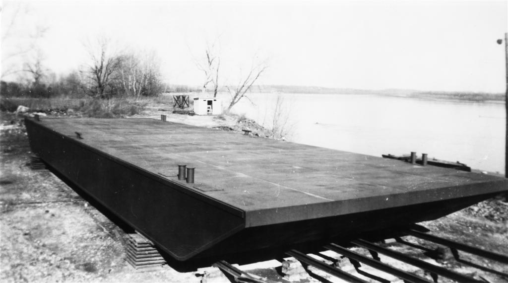Deck Barge  - Photo Courtesy of Boat Photo Museum, Dan Owen