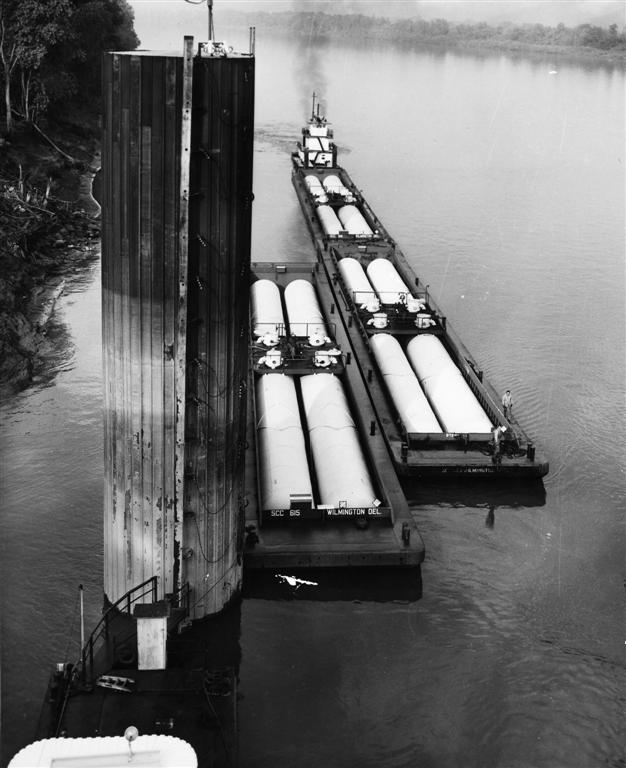 Chlorine Barge  - Photo Courtesy of Boat Photo Museum, Dan Owen